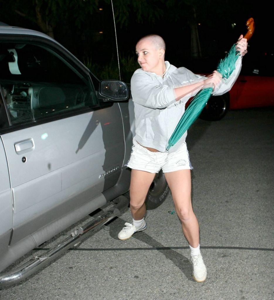 El Tópic de Britney Spears - Página 3 Britney_spears-umbrella-1