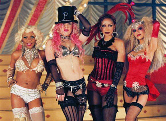 Lil' Kim, Pink, Mya, and Christina Aguilera on set on the music video