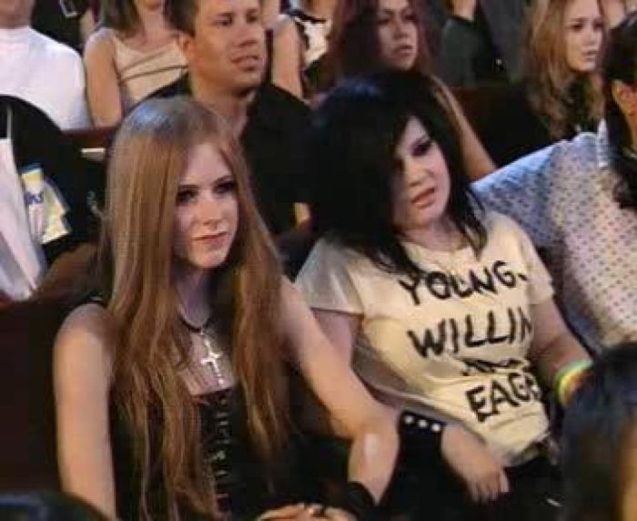 Avril Lavigne and Kelly Osbourne - 2003 MTV Video Music Awards YouTube