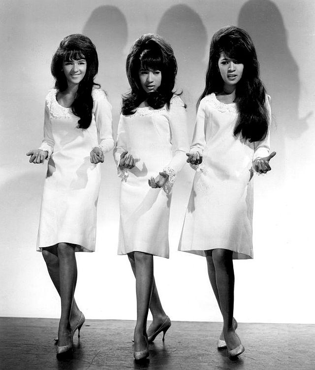 The Ronettes Ebay / Wikipedia