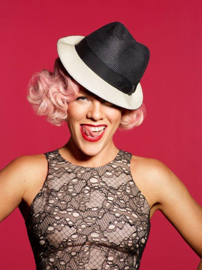 Pink www.facebook.com/pink